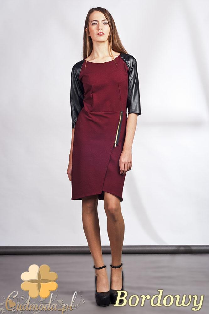 CM0936 LANTI SUK106 Sukienka z ozdobnym zamkiem i skórzanymi rękawami - bordowa