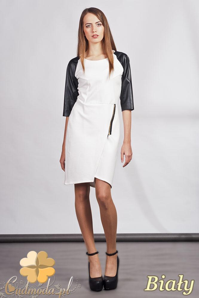 CM0936 LANTI SUK106 Sukienka z ozdobnym zamkiem i skórzanymi rękawami - biała
