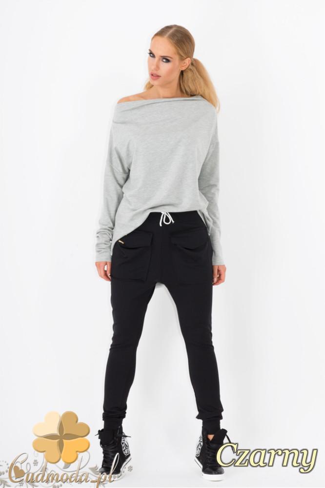 CM1338 Kobiece spodnie z kieszeniami i zwężanymi nogawkami - czarne