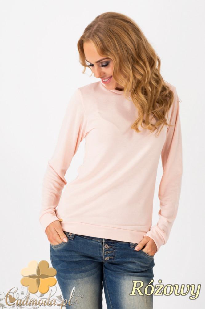 CM1342 Prosty sweterek damski o klasycznym kroju - różowy