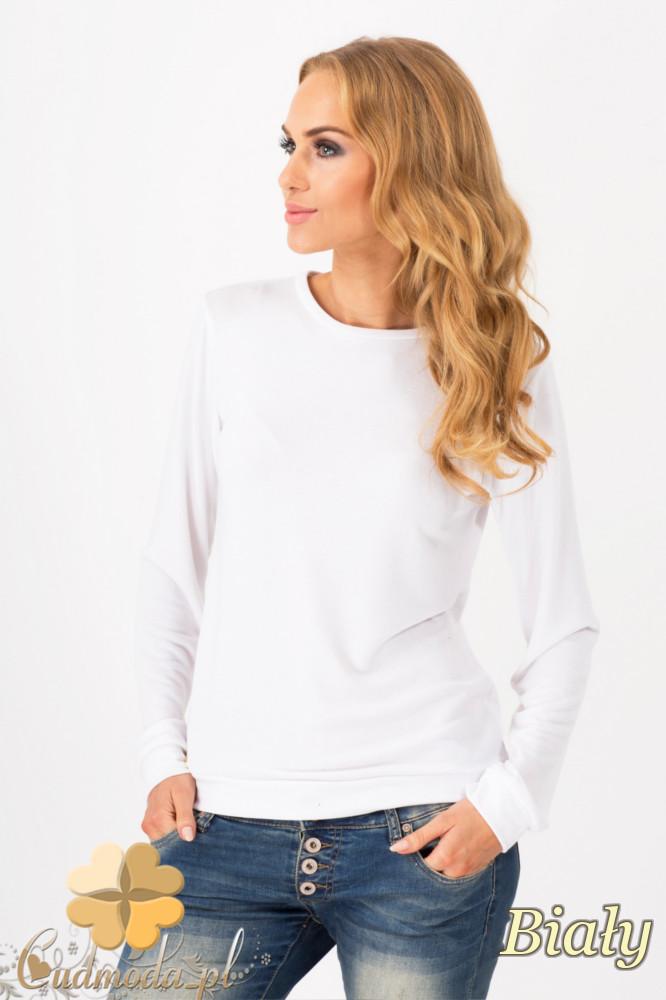 CM1342 Prosty sweterek damski o klasycznym kroju - biały