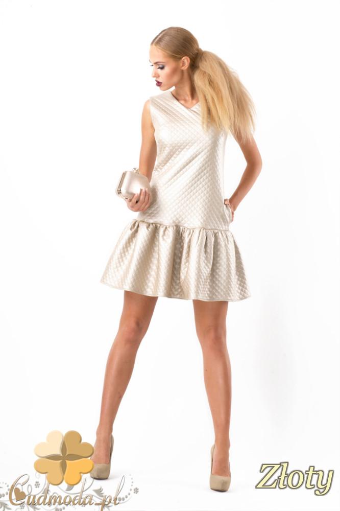 CM1346 Pikowana sukienka damska z falbankš - złota