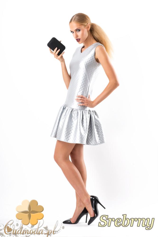 CM1346 Pikowana sukienka damska z falbankš - srebrna