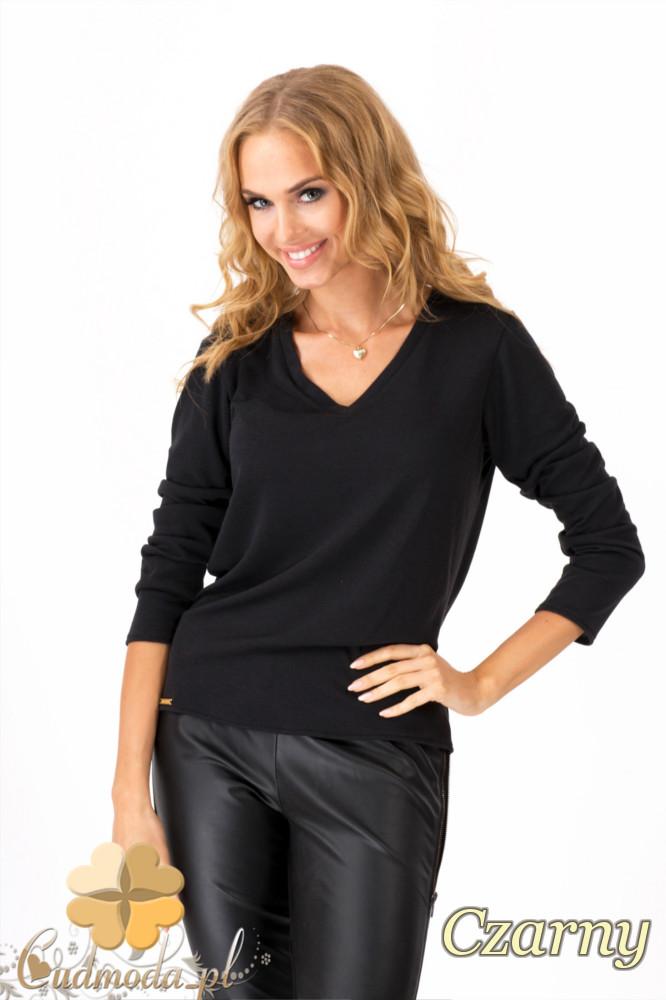 CM1350 Prosty sweterek z dekoltem w serek - czarny