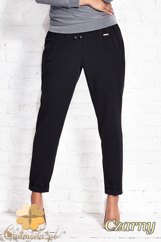 CM1408 LuĹşne spodnie damskie ze zwężonymi nogawkami - czarne