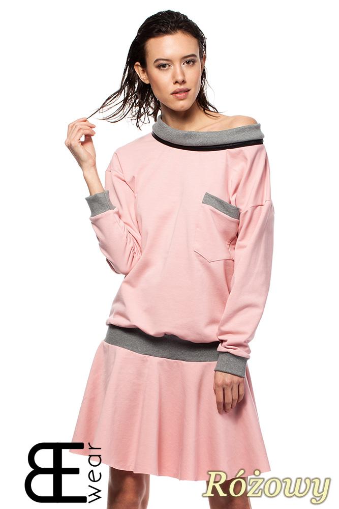 CM1420 Sukienka z obniżonš tališ i œcišgaczem - różowa