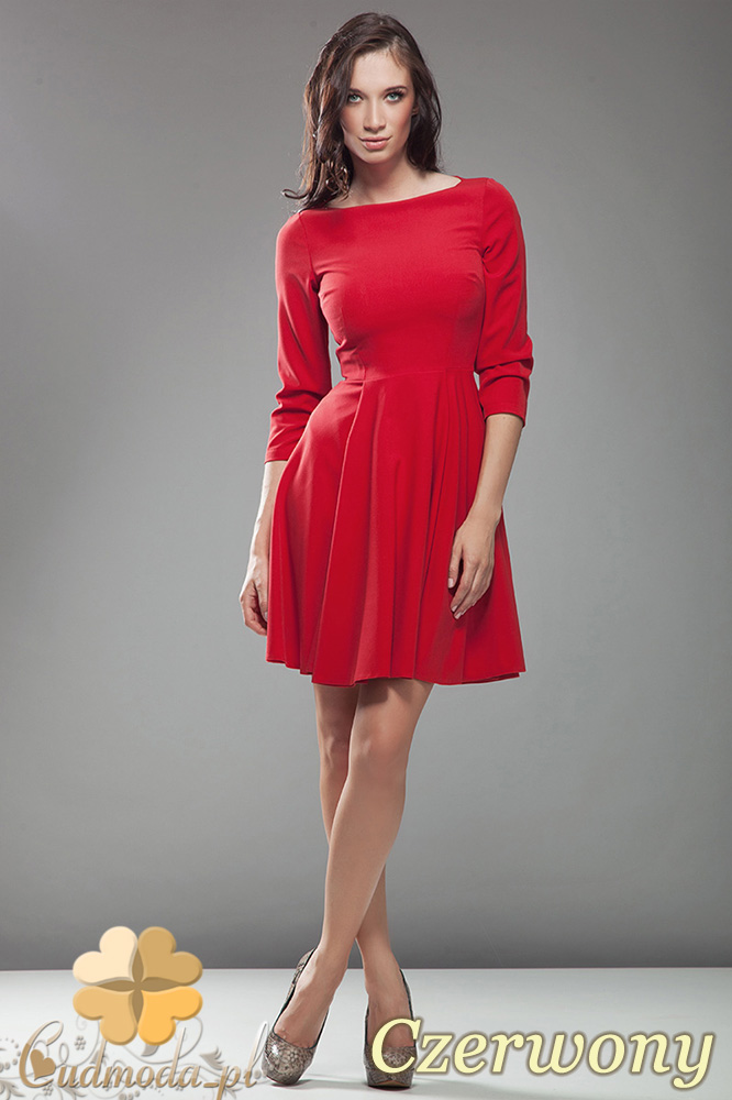 ce8fb0f594 CM0545 NIFE S19 Rozkloszowana sukienka z rękawem 3 4 - czerwona