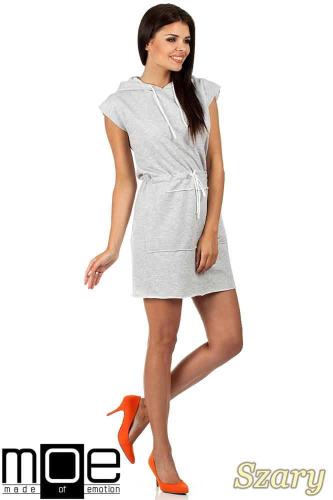 CM0819 Dresowa sukienka z kapturem i troczkami - szara