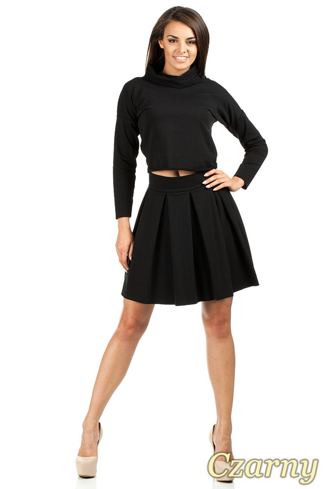 CM0977 Krótka sportowa bluza z golfem - czarna
