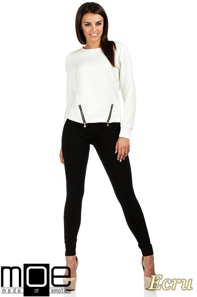 CM0991 Pikowana bluza damska z zameczkami - ecru