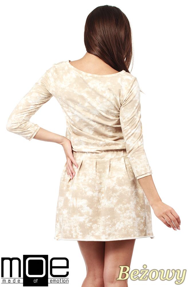 CM1025 Rozkloszowana sukienka batik z rękawami 3/4 - beżowa