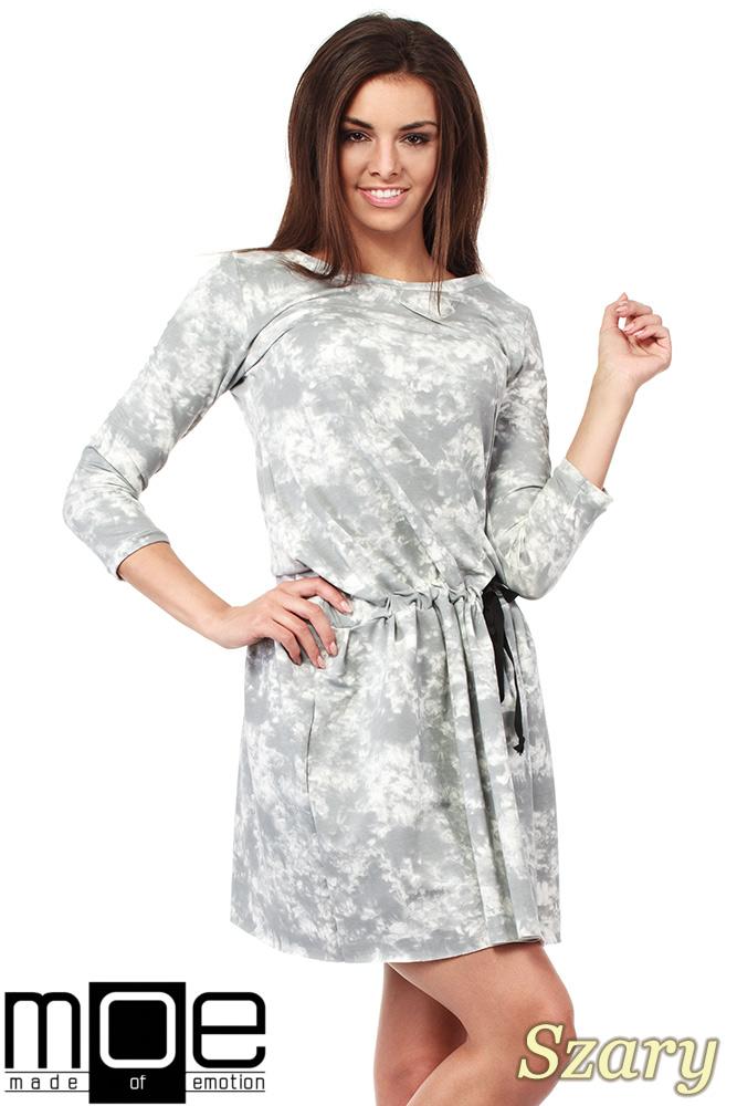 CM1025 Rozkloszowana sukienka batik z rękawami 3/4 - szara
