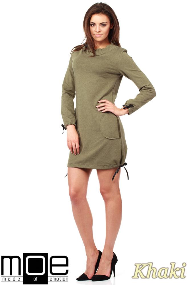 CM1033 Sukienka dresowa z golfikiem i ozdobnym nitowanym sercem - khaki