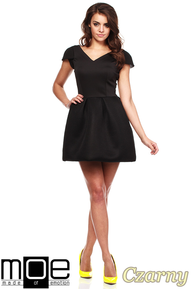 CM1185 Odcinana w pasie mini sukienka wieczorowa - czarna