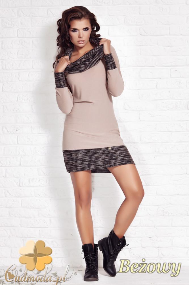 CM1210 Dopasowana sukienka mini z golfem i ściągaczami - beżowa