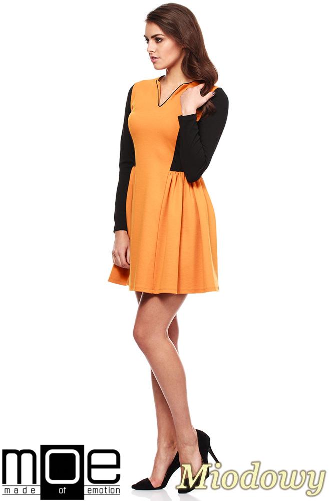 CM1220 Kobieca sukienka mini z marszczeniem na biodrach - miodowa  OUTLET