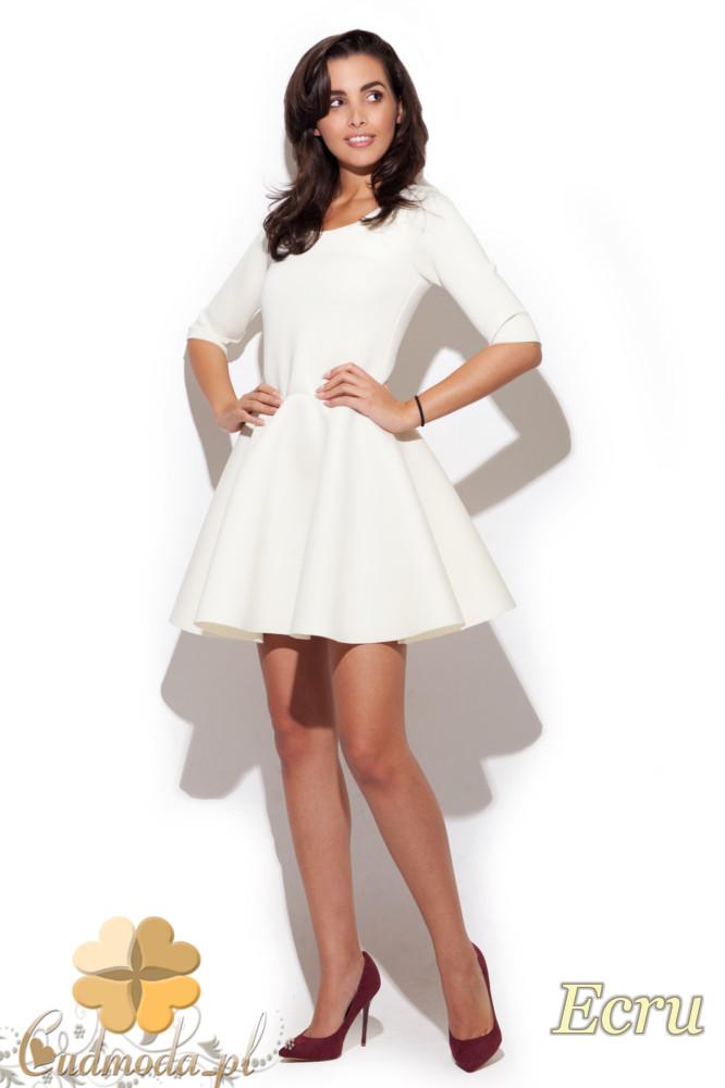 CM1224 Dopasowana sukienka damska z rozkloszowanym dołem - ecru
