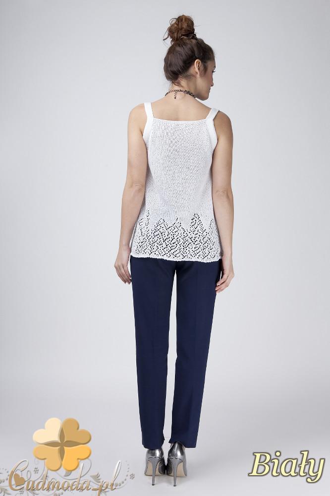 WYCOFANY Ażurowy sweter damski na ramiączkach - biały