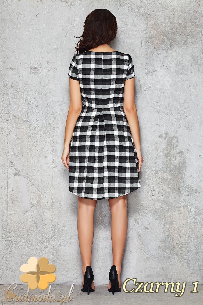 CM1468 Asymetryczna sukienka w kratę przed kolano - czarna 1