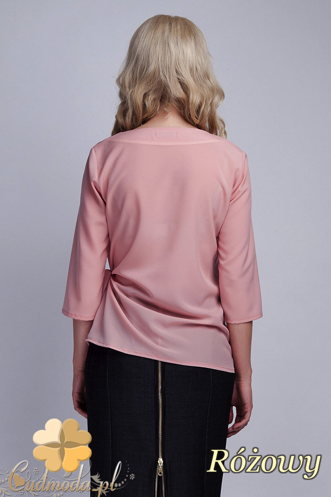 CM1532 Kopertowa bluzka damska z zakładką - różowa