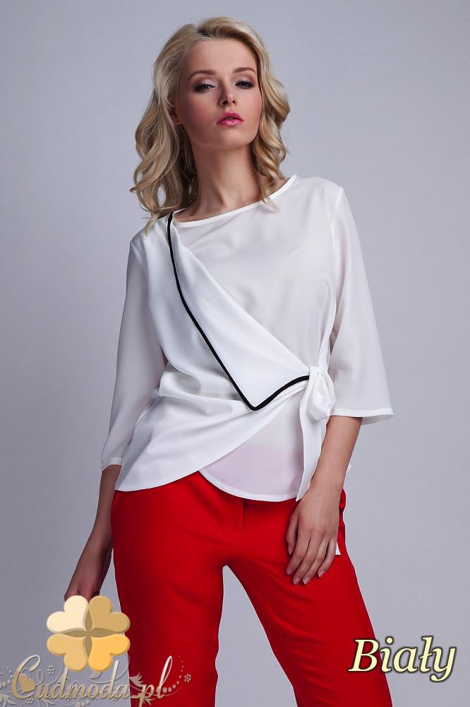 CM1532 Kopertowa bluzka damska z zakładką - biała