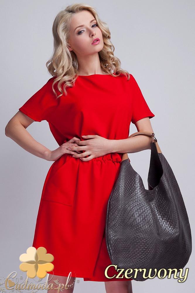 CM1537 Odcinana sukienka z wiązaniem na plecach - czerwona
