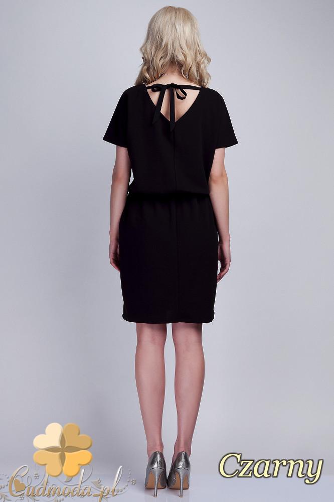 CM1537 Odcinana sukienka z wiązaniem na plecach - czarna