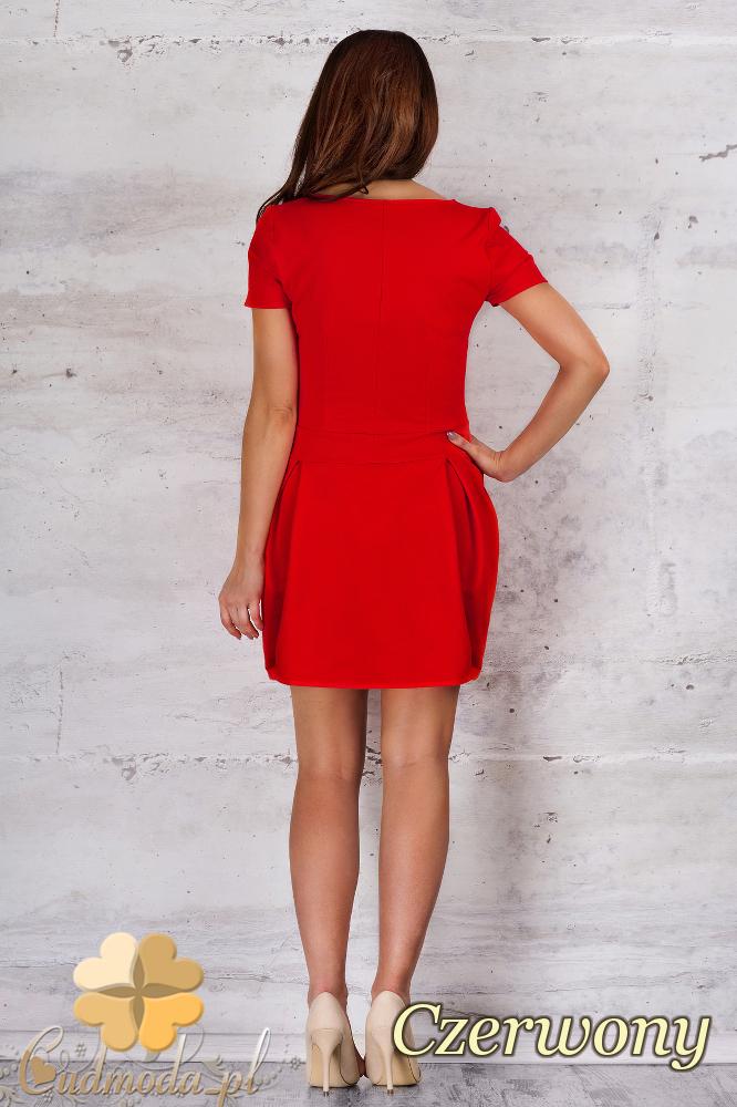 CM1683 Sukienka z dopasowaną górą i dołem w kontrafałdy - czerwona
