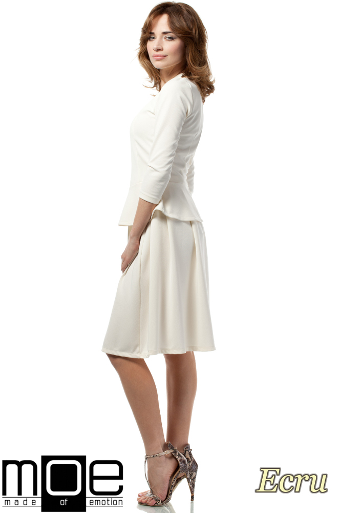 CM1719 Damska bluzka baskinka z rękawem 3/4 - ecru
