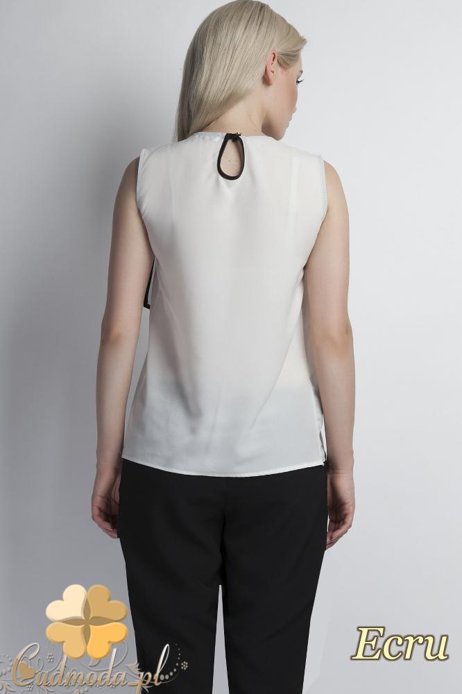 CM1777 Zwiewna bluzka damska z asymetryczną falbanką - ecru