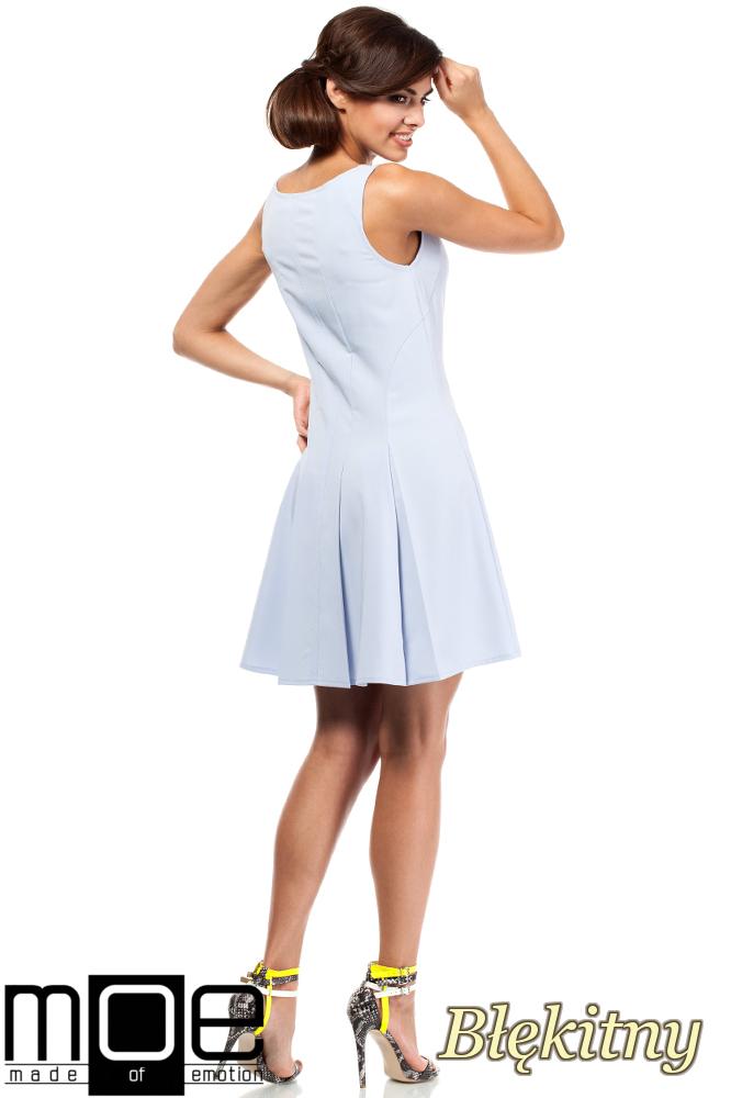 CM1806 Rozkloszowana sukienka kontrafałda na ramiączkach - błękitna