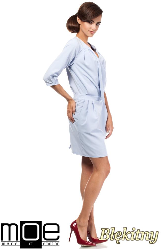 CM1874 Kopertowa sukienka mini z zakładką - błękitna