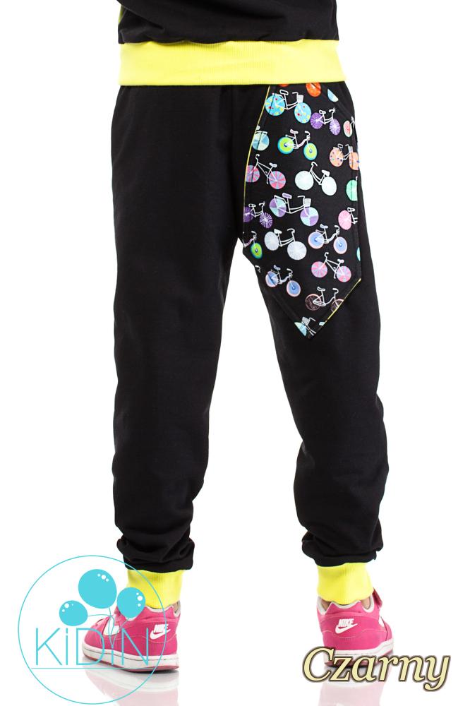 CM2039 Dziecięce dresowe spodnie z dużymi kieszeniami - czarne