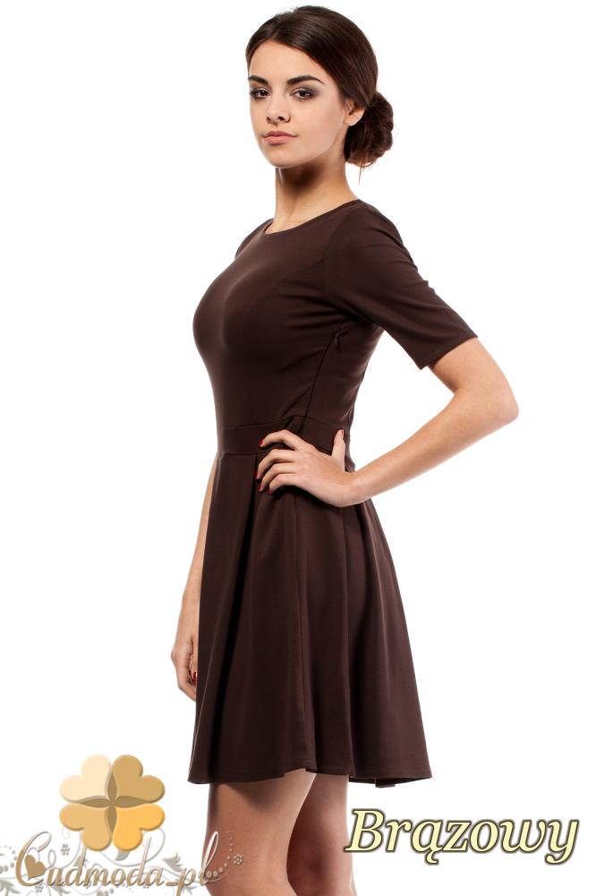 CM0224 Rozkloszowana sukienka kontrafałda z dzianiny - brązowa