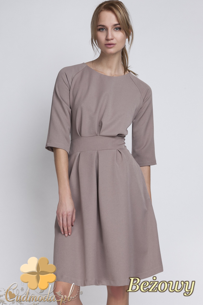 CM2066 Dopasowana w talii sukienka damska - beżowa