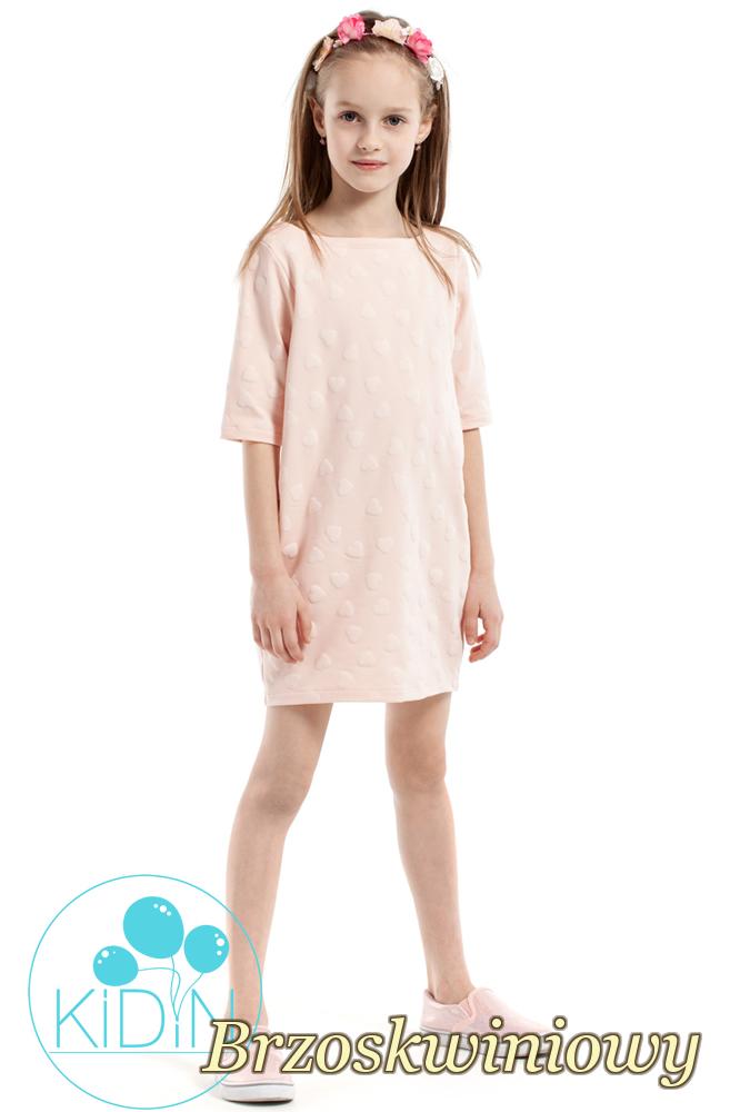 CM2165 Nowoczesna sukienka w wystające serduszka - brzoskwiniowa