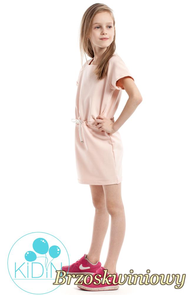 CM2171 Urocza sukienka z dekoltem karo - brzoskwiniowa