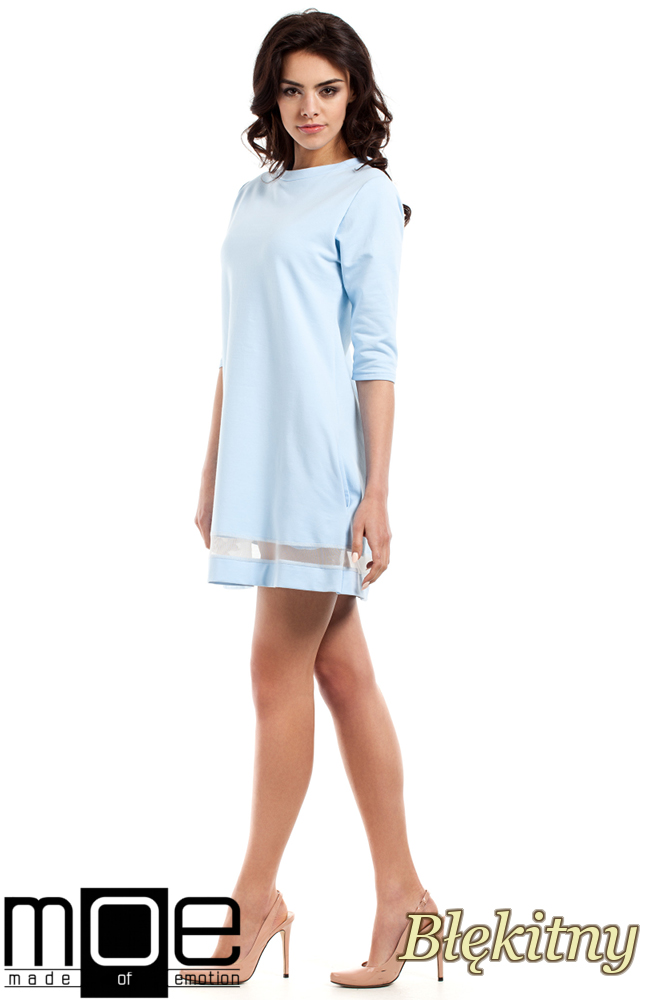 CM2221 Dzianinowa sukienka z tiulową wstawką - błękitna