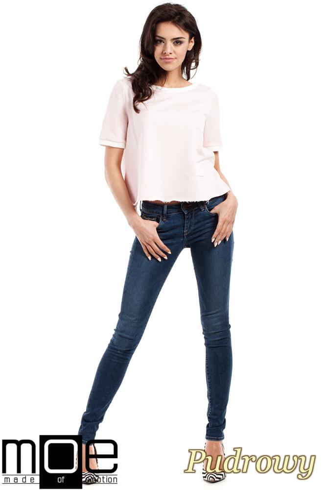 CM1557 Modna bluzka damska z zakładką na plecach - pudrowa