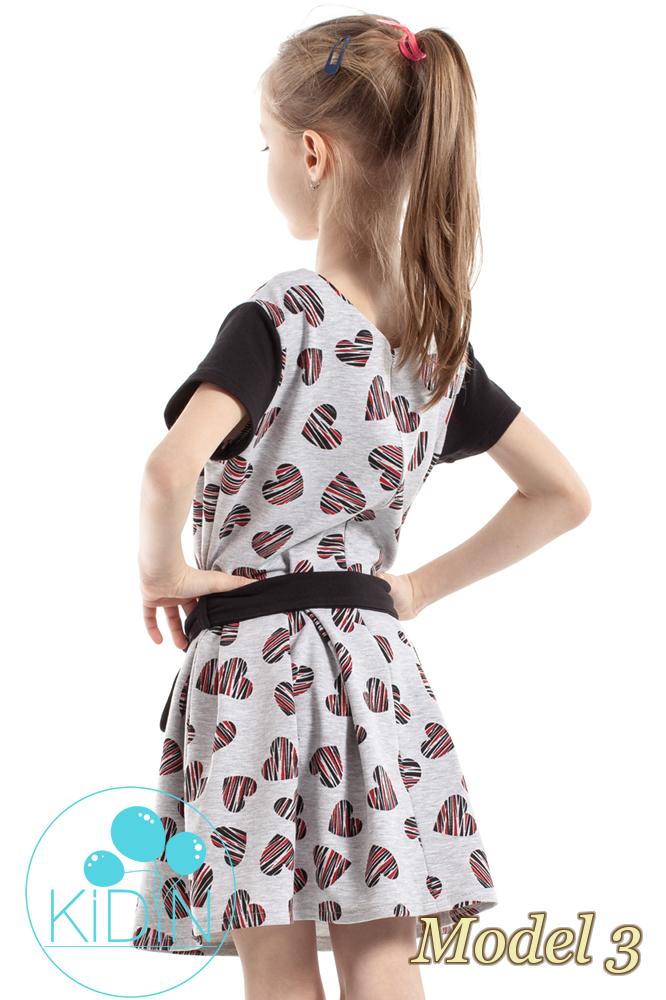 CM2265 Dziewczęca sukienka w kontrafałdy - model 3