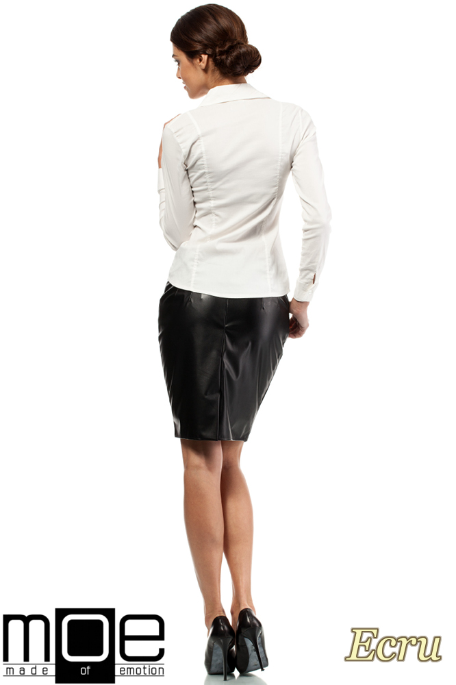 CM0270 Klasyczna taliowana gładka koszula - ecru