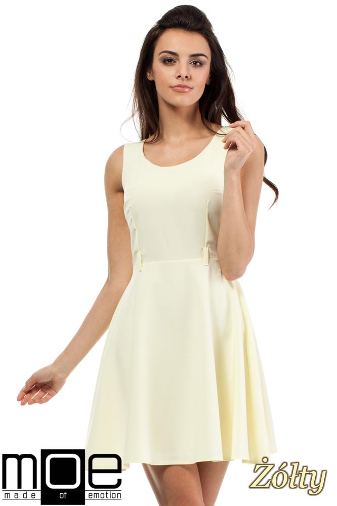 CM0289 Rozkloszowana sukienka midi z dekoltem - żółta