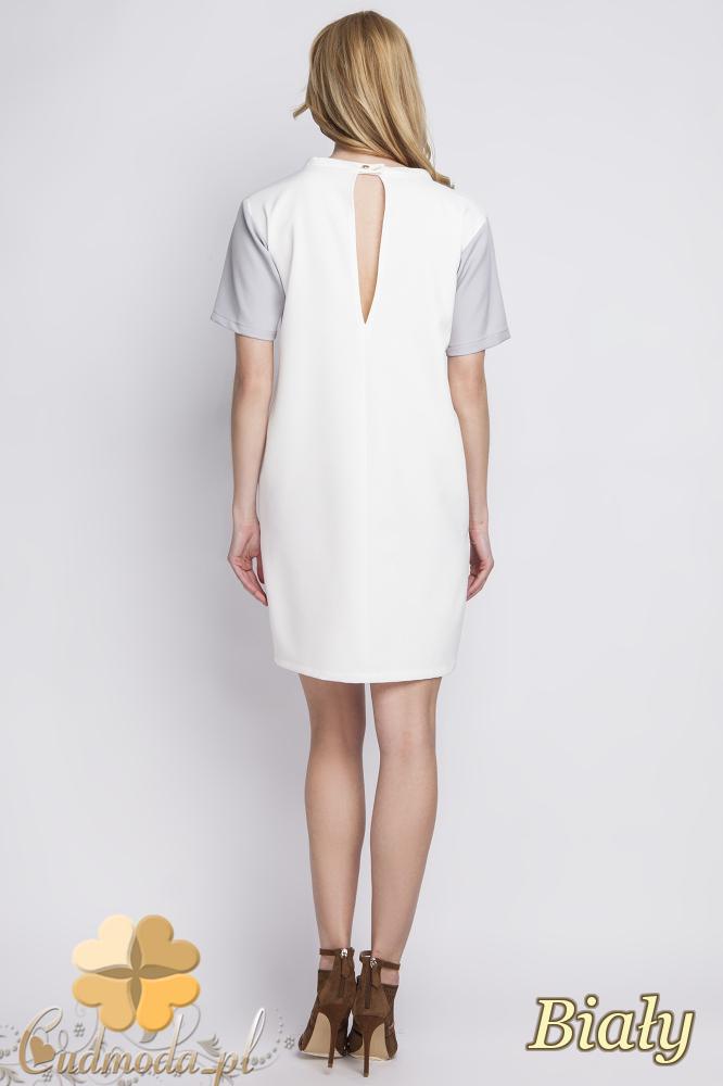 CM2284 Klasyczna sukienka elegancka z rozcięciem - biała