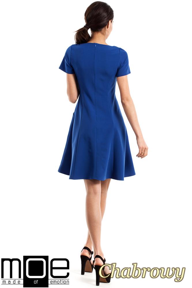 CM2348 Dopasowana sukienka z rozkloszowanym dołem - chabrowa