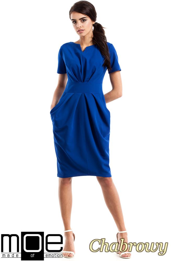 CM2349 Dopasowana przewiązana sukienka damska - chabrowa