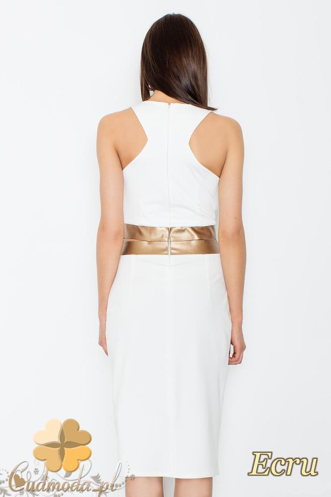 CM2352 Sukienka z dekoltem i ozdobnymi rozcięciami i złotym pasem -ecru