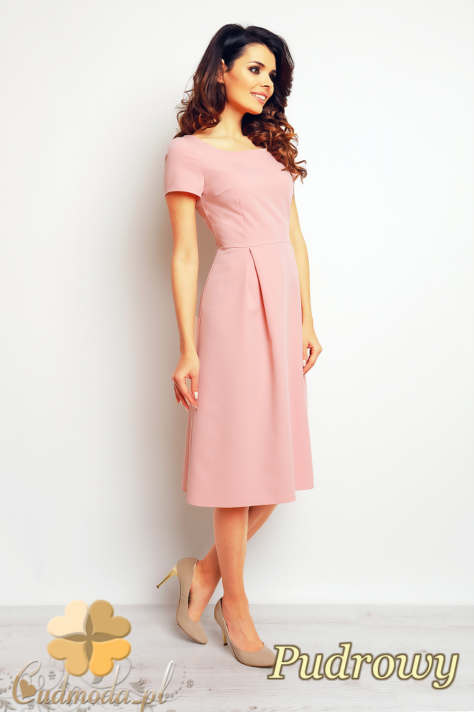 CM2380 Stylowa sukienka wieczorowa w kontrafałdy - pudrowa