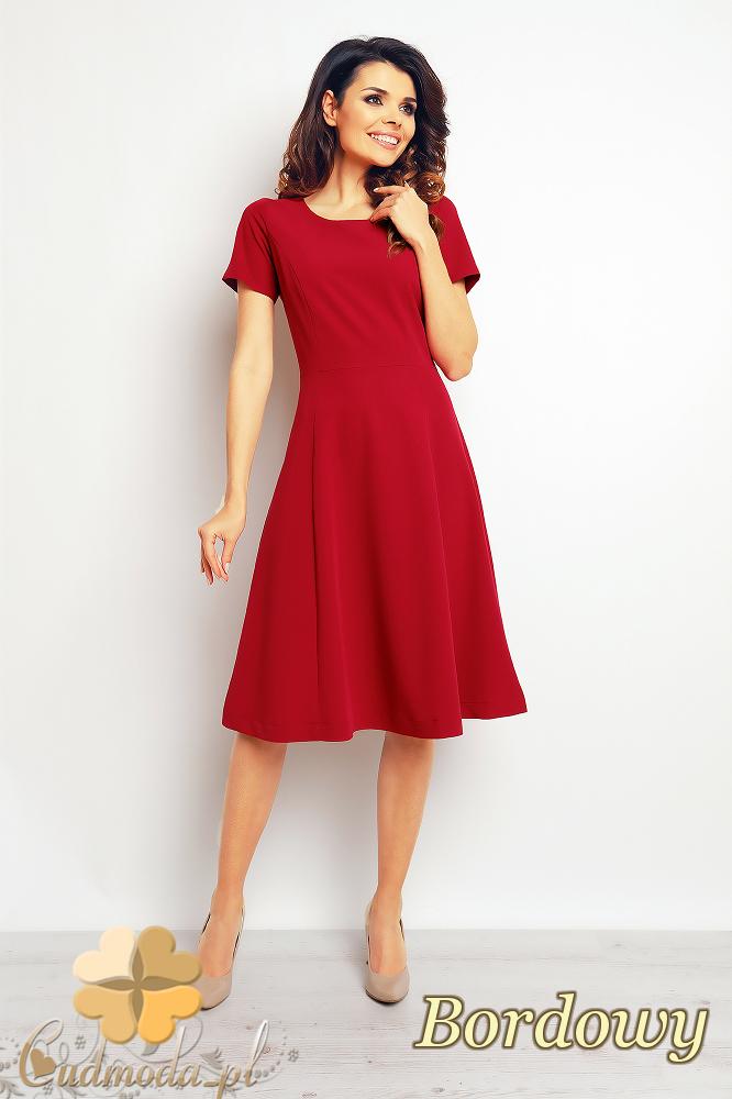 CM2391 Stylowa wizytowa sukienka w kontrafałdy - bordowa