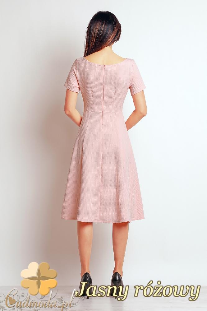 CM2395 Nowoczesna kobieca sukienka biurowa - jasny różowy