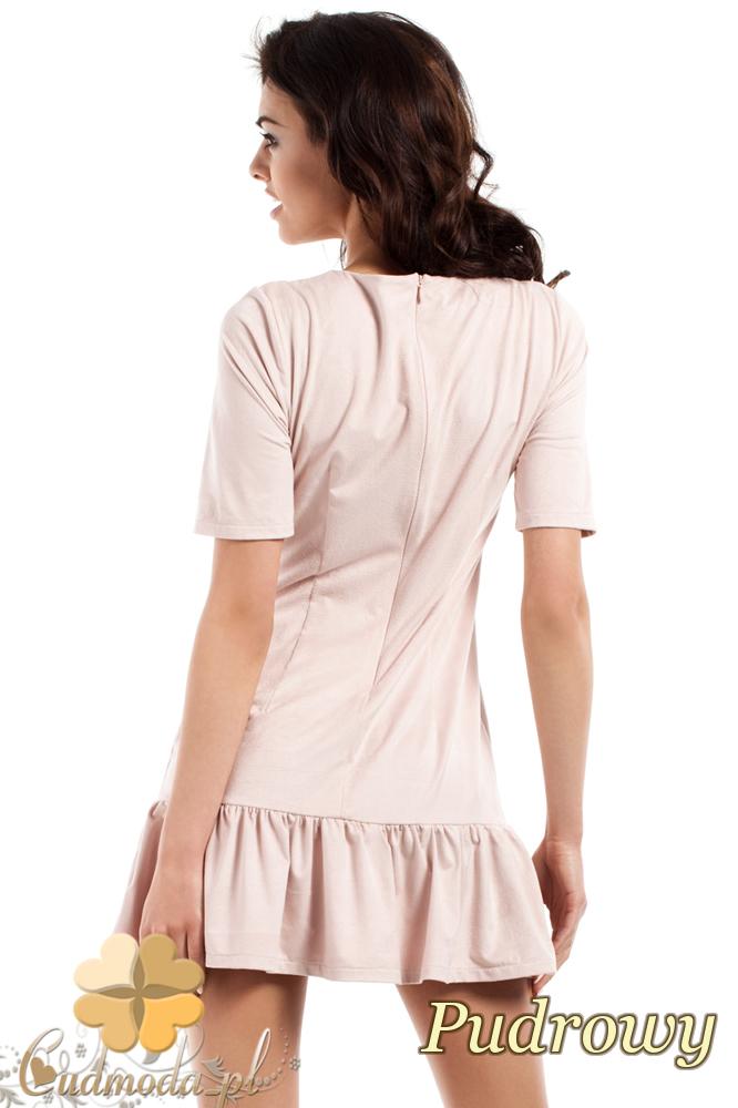 CM2425 Stylowa sukienka mini z falbanką - pudrowa